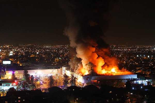 Segundinos enfrentamos violento incendio en tienda Homecenter