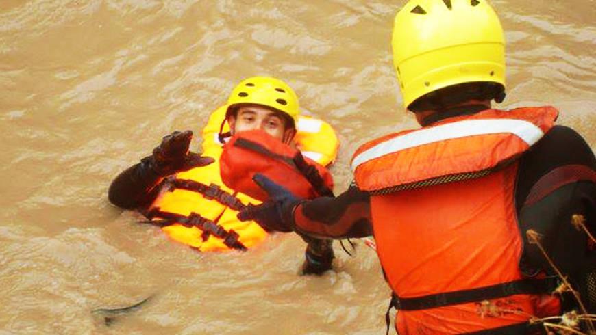 Segundinos participan en curso de «Rescate en aguas torrentosas»