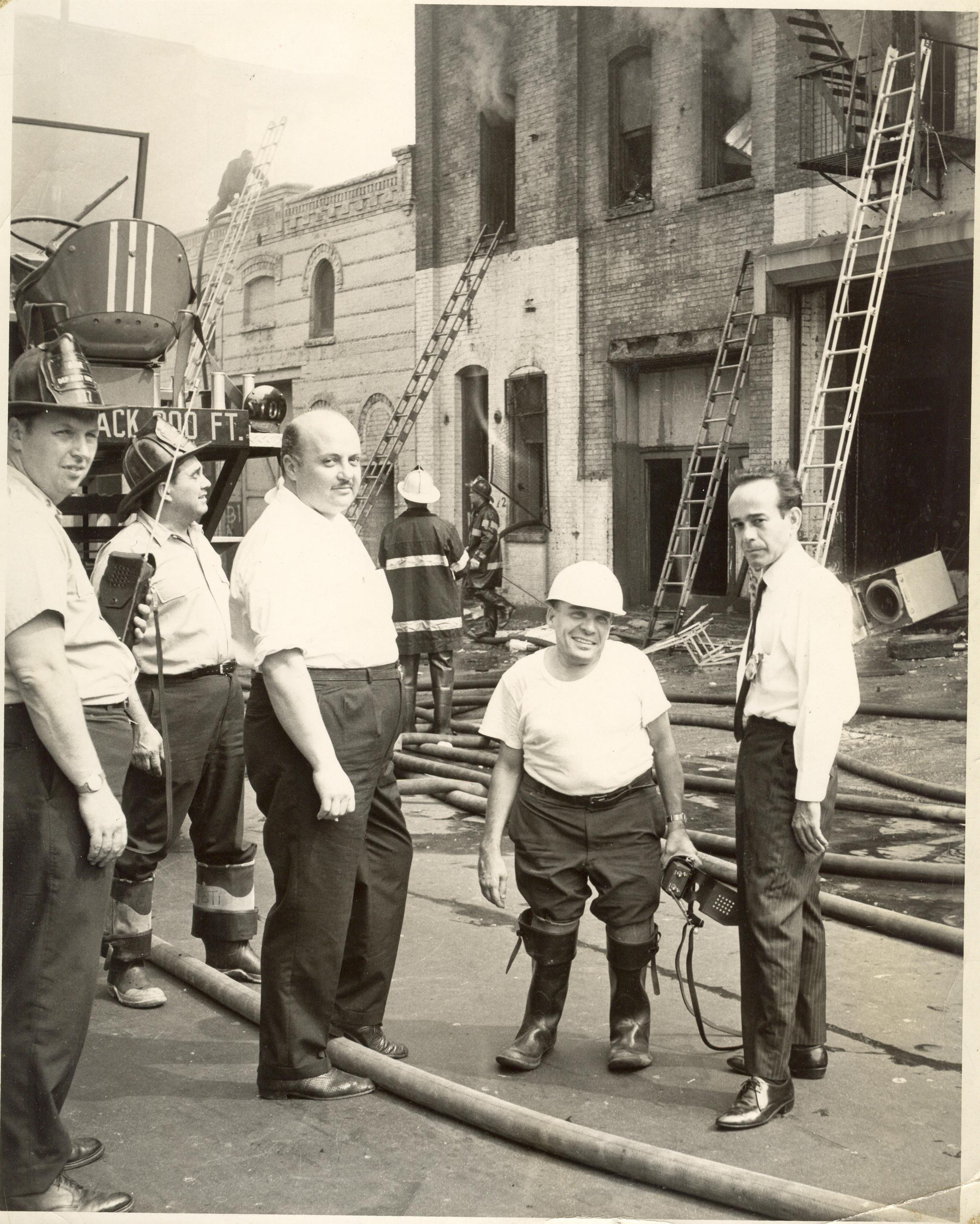 04 - Enrique Guerra en Incendio en Nueva York Año 1966