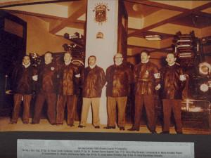 09 - 082-Oficiales en Frontis Cuartel 2° Antonio Varas Año 1955