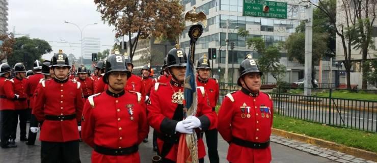 Impecable desfile y entrega de premios en aniversario Nº83